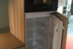 Bianco hoogglans greeploze keuken. € 4844,- 2